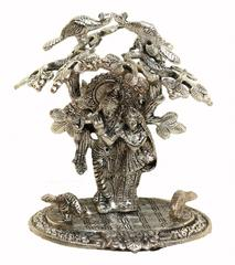 Purpledip Janamashtmi Special Radha Krishna Statue Under Tree in White Metal, Unique D�cor Indian Gift (10927)