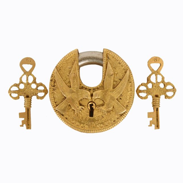 Purpledip Brass Lock Padlock With Eagle/Hawk: Round Antique Design; Unique Collectible Combination With Feng Shui Vastu Significance (11044)