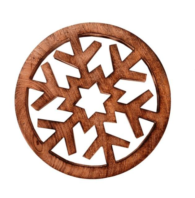 Purpledip Wooden Trivet 'Radiating Snowflake' Coaster Hot Pad Mat For Dining Table, Kitchen  (11063)
