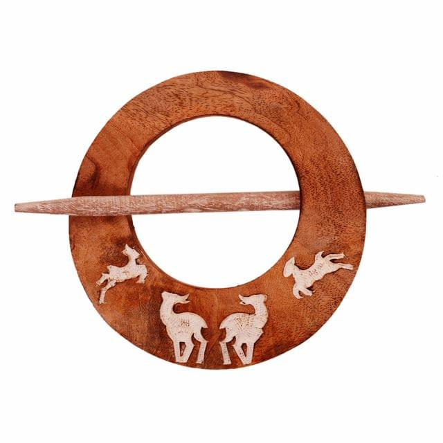 Purpledip Wooden Curtain Holder Tie Back Drape Clips 'Flying Deers': Set Of 2 (11148)