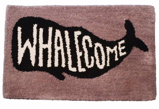 Purpledip Handwoven Doormat 'Whalecome': Thick, Soft, Non-skid Floor Carpet Rug (11309a)