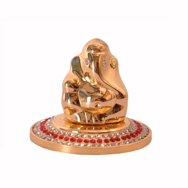 Purpldip Rakhi Gift Set: Golden Ganesha Statue With Glittering Gems, 2 Designer Rakhi, Roli Chawal In Red Paan Packing (rakhi66)