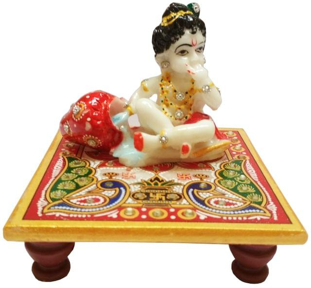 Marble Statue Lord Krishna: Painted Makahan Chor Idol on Chowki (11566)