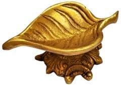 Brass Oil Lamp Lakshmi Deepam: Pipal Leaf Diya (11569)