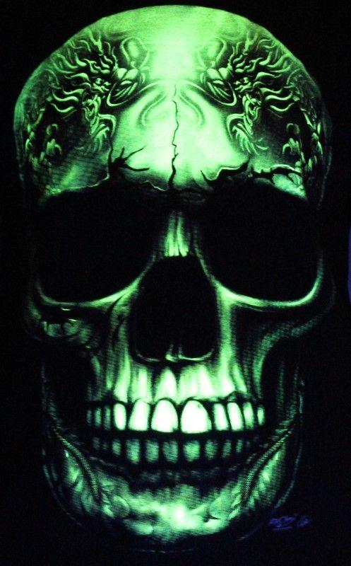Brutal White Skull - Biker Tatto Glow in the Dark Radium Neon UV High definition 3D Club Tshirt