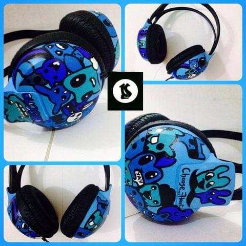 Go blue doodle headphones Hand Painted - Philips SHP1900