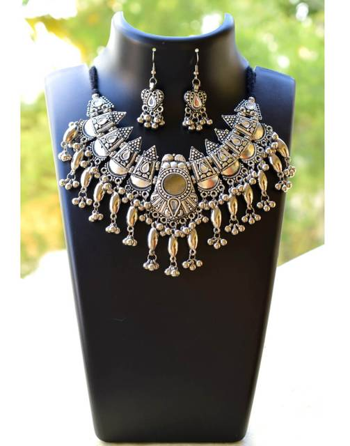 Oxidized Metal Jewellery Set-White Beads Pendant 3