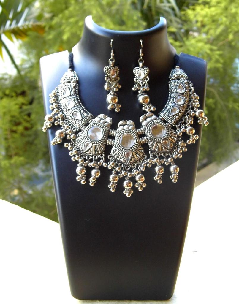 Oxidized Metal Jewellery Set-White Beads