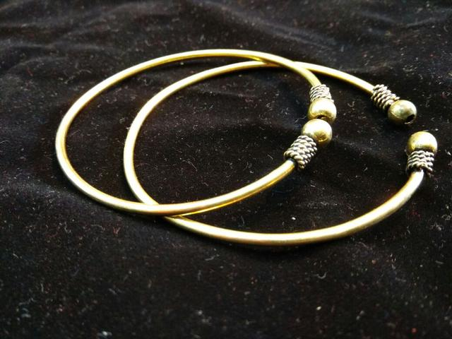 Brass Bangle Pair with Plain Pattern