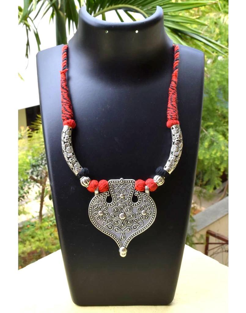 Threaded German Silver Hansuli Necklace&Pendant-Leaf Shipe Black&Red