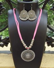 Oxidized Metal Threaded Necklace Set - Baby Pink