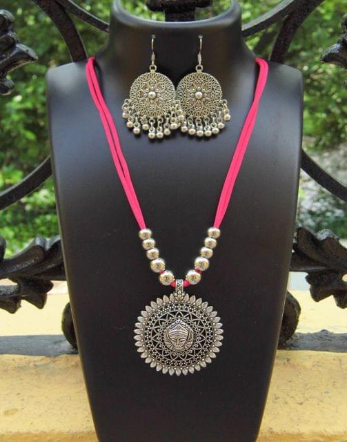 Oxidized Metal Threaded Necklace Set - Rogue Pink