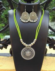 Oxidized Metal Threaded Necklace Set -Green
