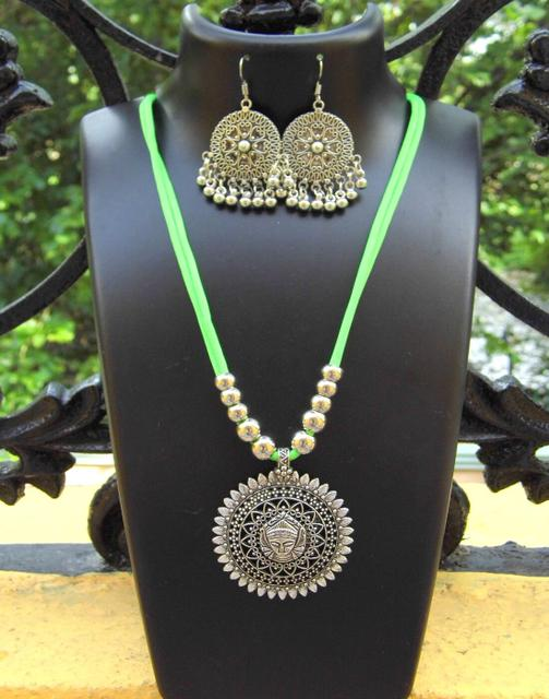 Oxidized Metal Threaded Necklace Set - Light Green