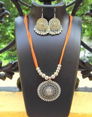Oxidized Metal Threaded Necklace Set - Medum Sea Green