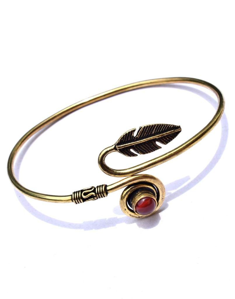 Brass Bangle with Stone&Leaf Pattern- Maroon Stone