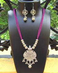 Oxidized Metal Threaded Necklace Set -Dark Pink