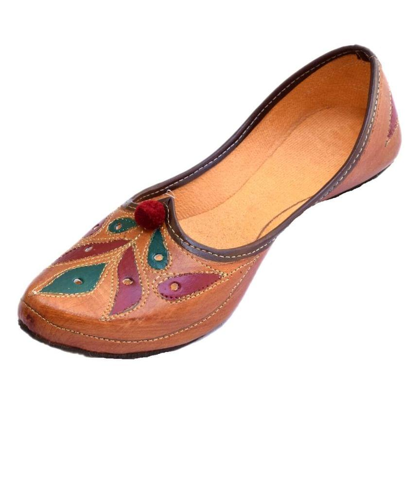 Leather Rajasthani Juttis/Mojris for Women- Pattern 1