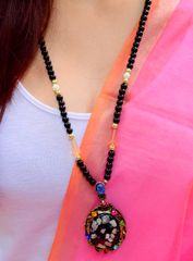 Bead Necklace with Chipped Shells Pendant