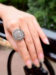 Finger Ring in Oxidized Metal- Round Motif