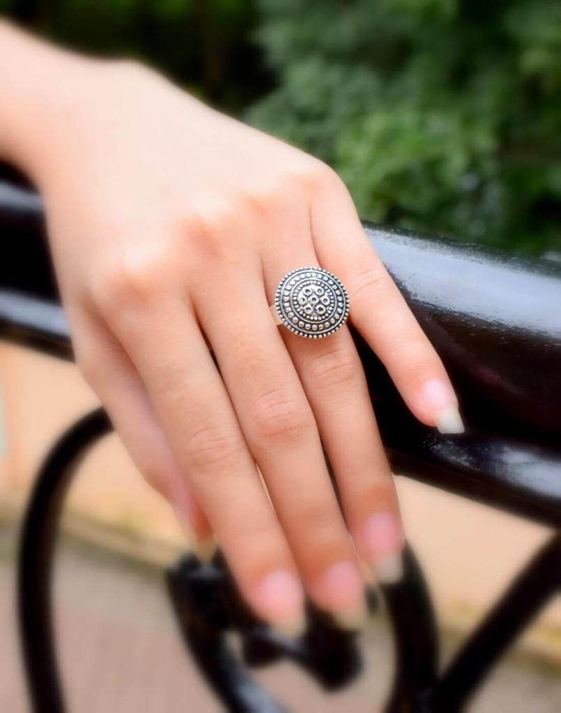 Finger Ring in Oxidized Metal- Round Motif 2