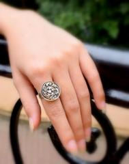 Finger Ring in Oxidized Metal- Round Motif 3