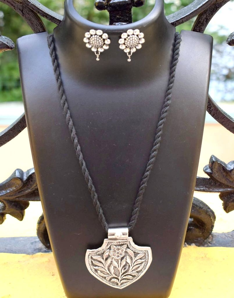 Threaded German Silver Necklace Set -Black Pattern