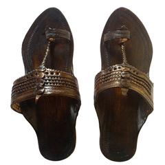 Men Press-Puda Kolhapuri Chappal -Dark Brown