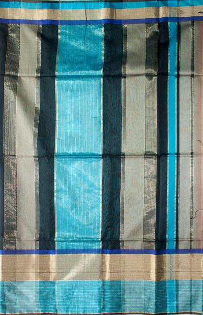 Maheshwari Handwoven Cotton-Silk Saree: Masrai Patta Blue