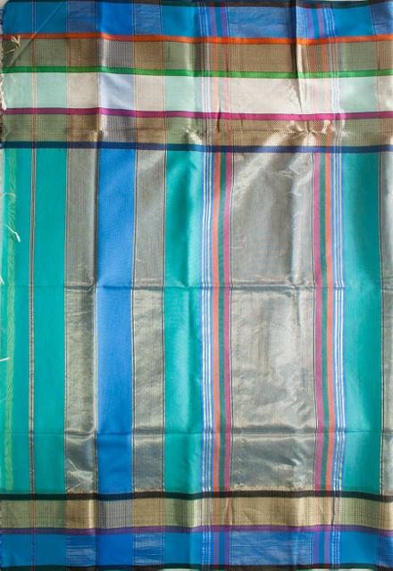 Maheshwari Handwoven Cotton-Silk Saree: Triple Border Blue