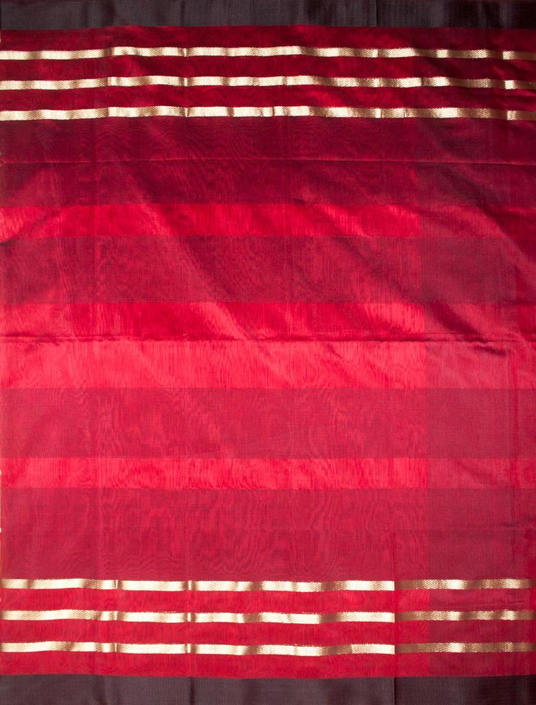Maheshwari Handwoven Cotton-Silk Saree:Maroon and Black