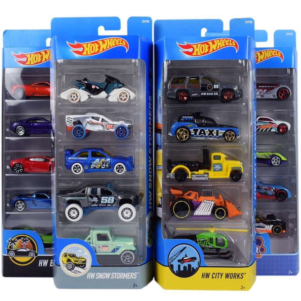 Hot Wheels 5 Cars Gift Pack, Styles May Vary