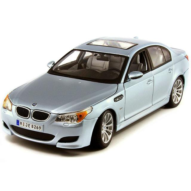 Maisto BMW M5 Silver 1:18 Scale, Die Cast Metal Collectable Model Car