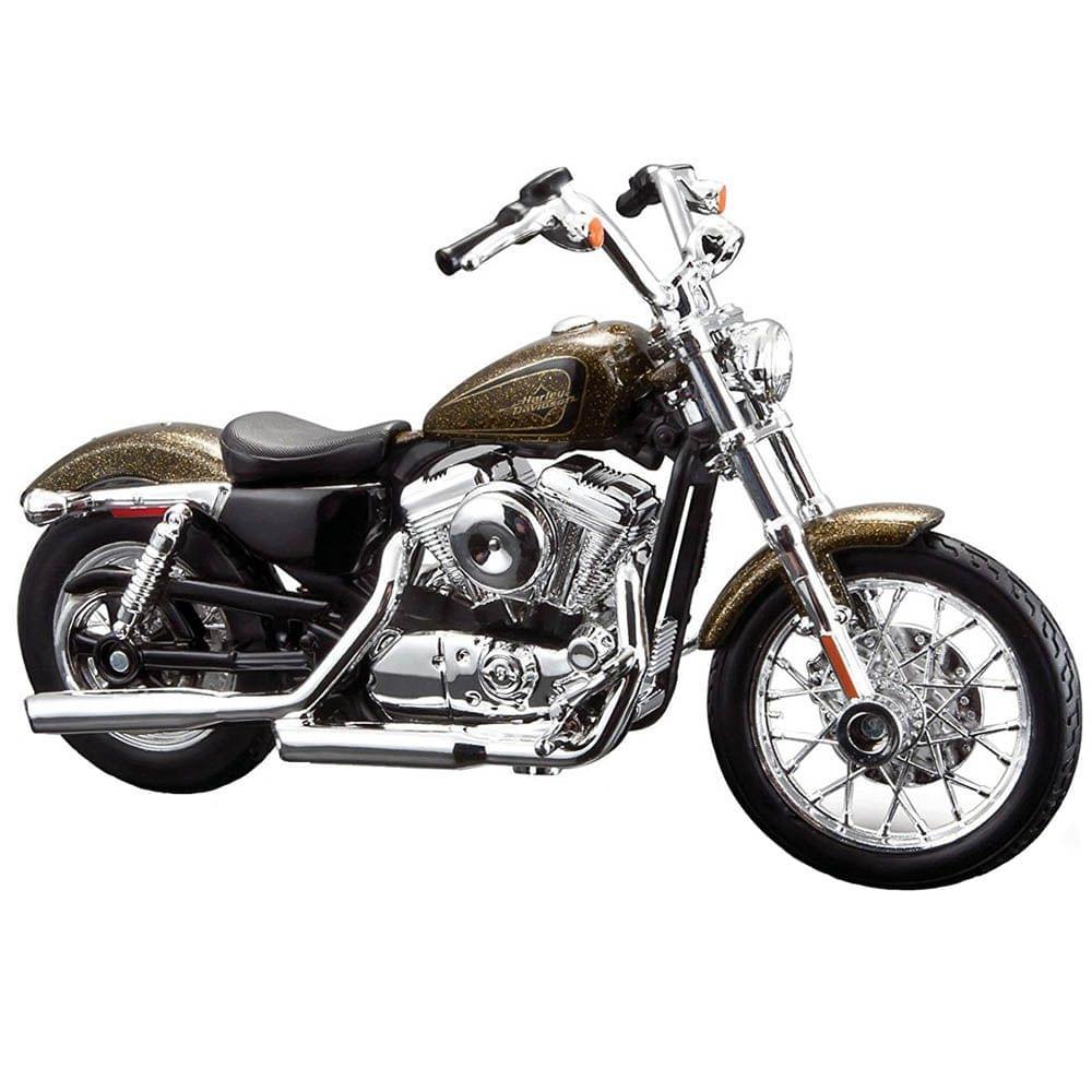 Maisto Harley Davidson 2013 XL 1200V Seventy Two, 1:18 Scale Diecast Motorcycle