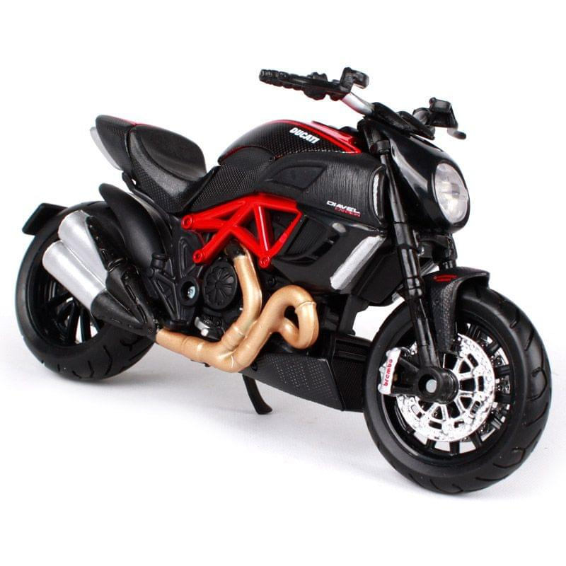 Maisto Fresh Metal 2 Wheelers Ducati 1199 Diavel Carbon Motorcycle, 1:18 Scale Die Cast Metal