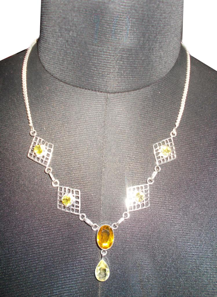 Port Exclusive Yellow Gemstones Studded Necklace