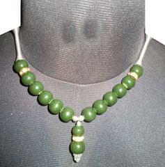Port Exclusive Green Pearl Studded Necklace