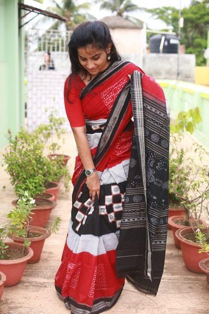 """Red and Black Jhoti Pasapalli """"Saree"""""""