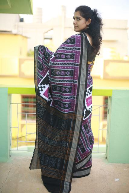 Magenta Odisha Sambalpuri Saree with Conch Shells