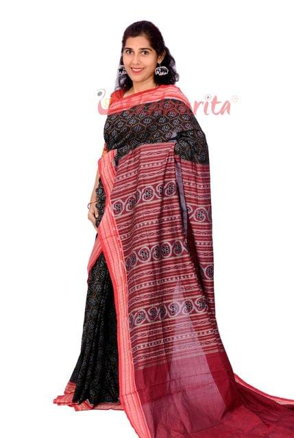 Single Ikkat Bandha Saree In Black And  Red