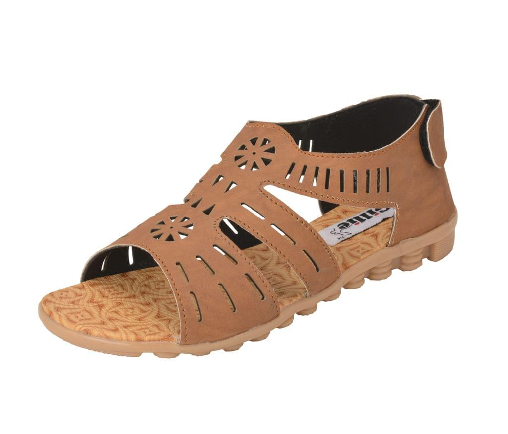 Gillie Women's Sandels for regular wear