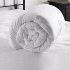 Single Duvet :With 180Gsm Hollow Silconised Polyfill Filling