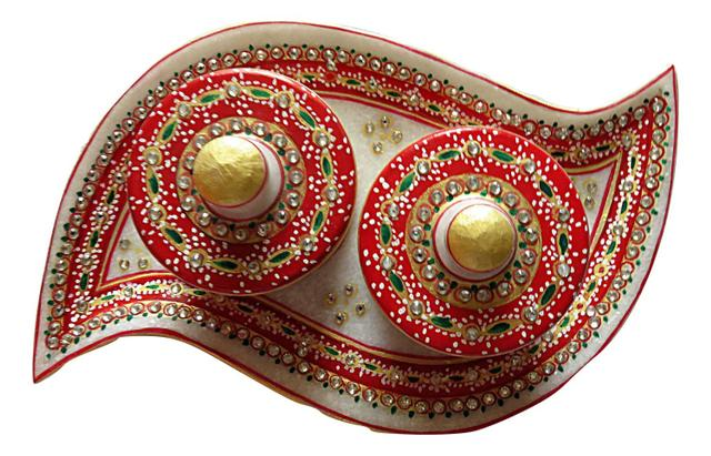 IndicHues Handmade Marble Handicraft Curvy Shaped Dry Fruit Tray With Two Boxes
