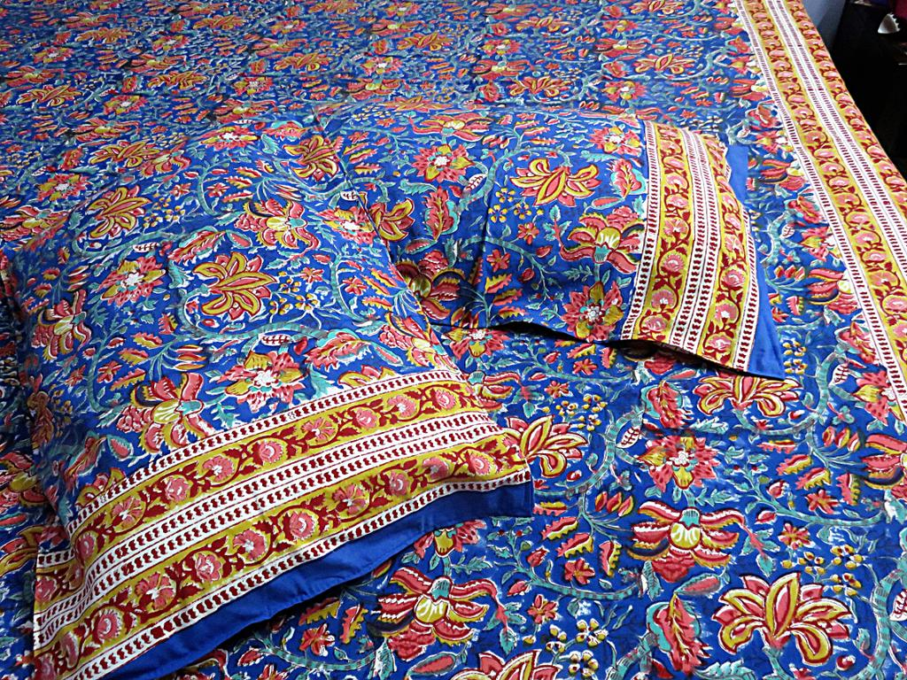 IndicHues Handmade Hand Block Printed Indigo Floral Motifs Double Bedsheet with two pillow covers