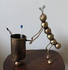 IndicHues Handmade Wrought Iron Ant Pen Stand
