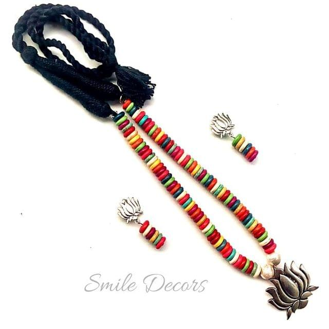 Smile Decors Multicolour Howlite Bead Jewellery Set with Lotus Pendant And Earrings
