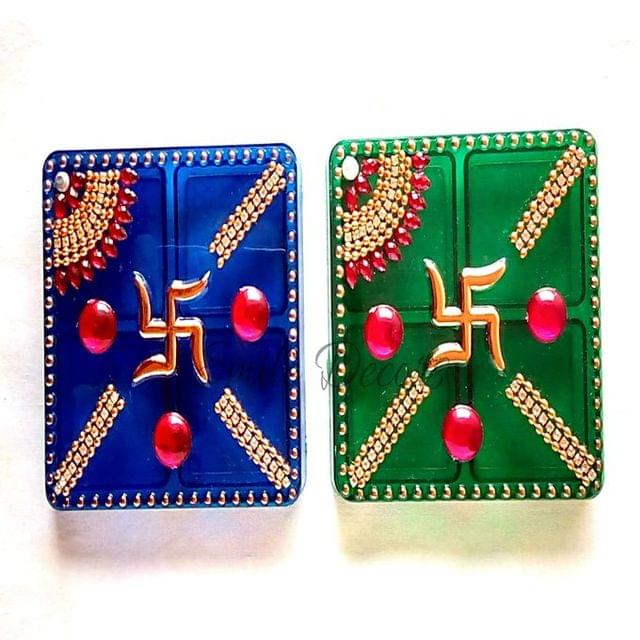 Smile Decors Decorated Acrylic Square Kumkum Box- from Pack of 50