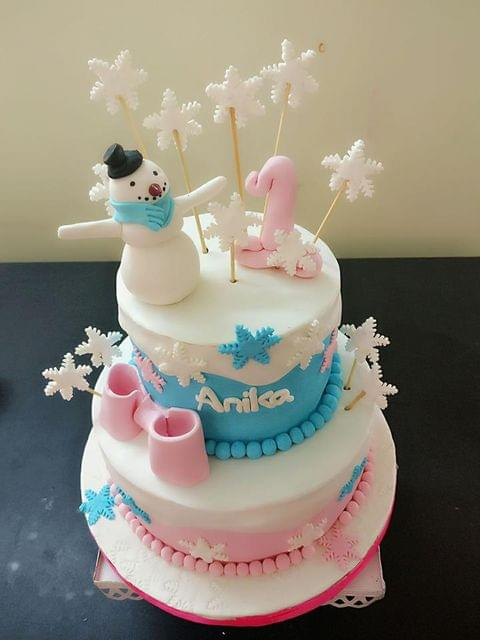 Dolce Olivia Snowman and Winter Themed Cake (1kg)