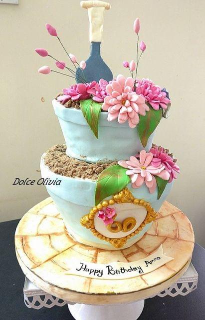 Dolce Olivia Flower Pot Cake (3kgs)