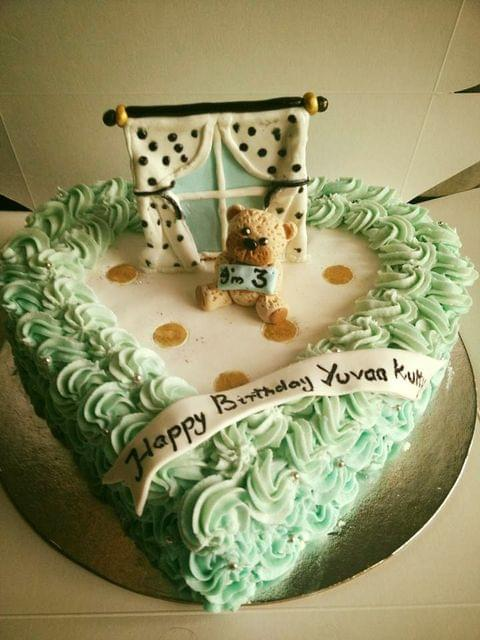 Dolce Olivia Cute Teddy Bear Cake (1kg)